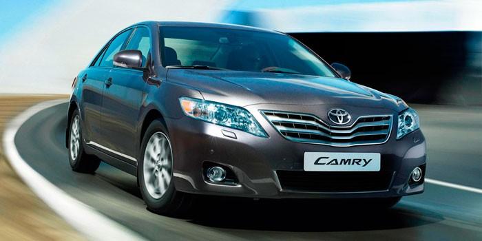 Toyota Camry VI